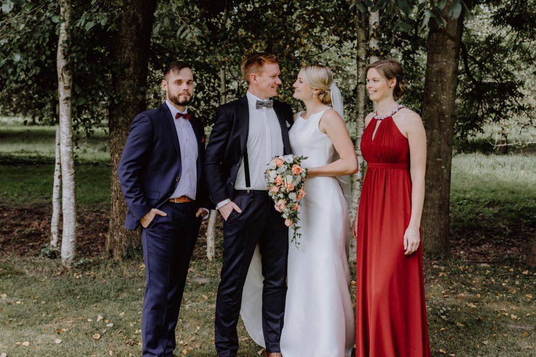 Hochzeitsreportage, Stade, Deniz Pekdemir, Deniz-Fotografie, Großenwörden, Schützenverein, Vereinshaus, Getting ready, Fotograf aus Hamburg, Stade, Sylt, Hochzeitsreportage