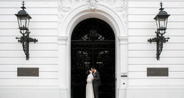 Verlobungsfotos mit Ayca und Berkan in Altona am  Rathaus