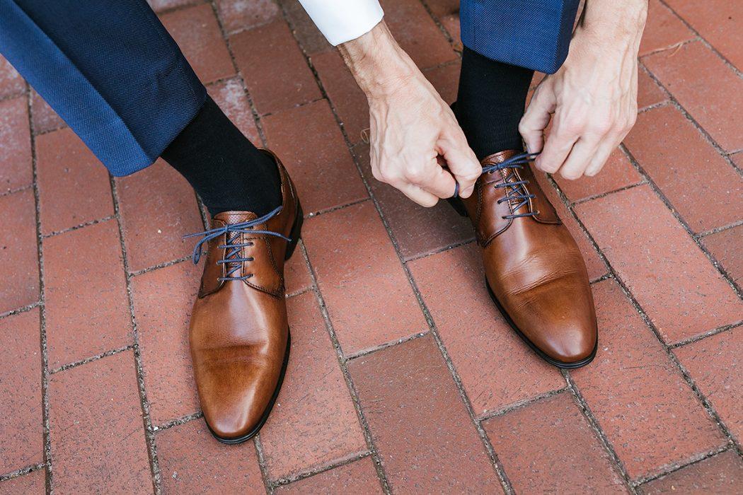 Getting Ready Bräutigam Schuhe
