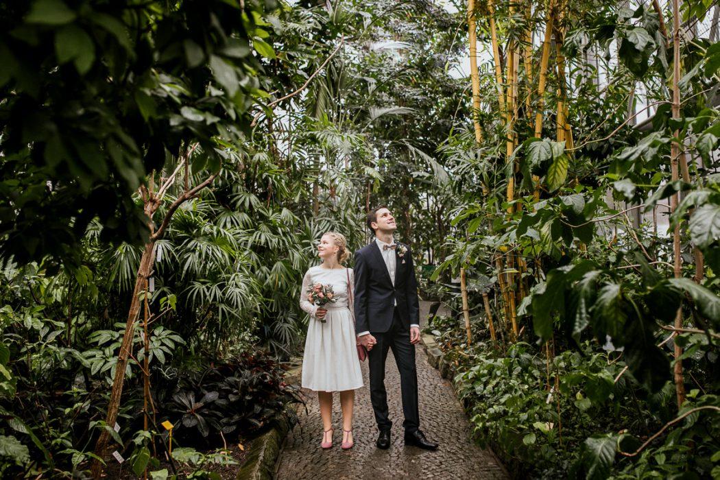 Winterhochzeit in Hamburg, Hochzeitsgesellschaft, Tropenhaus Hamburg, Hochzeit, Brautpaar, Shooting